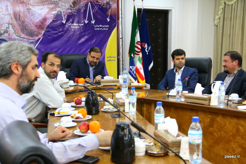 بادید سردبیران و خبرنگاارن ارشد صدا و سیمای جمهوری اسلامی ایران از منطقه ویژه پارس 11
